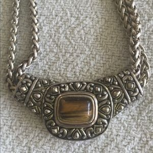 Jewelry - Necklace. Silver with double chain & stone center